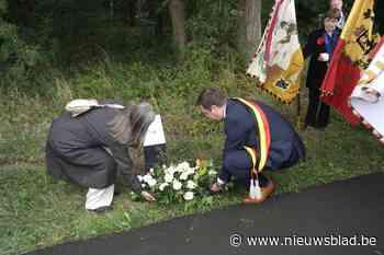 Verplaatsing gedenkplaatje WOII leidt tot discussie over nie... (Haacht) - Het Nieuwsblad
