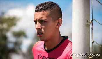 "Juan Valencia: ""Me dijeron que iba a jugar de central en la charla técnica"" - Caracol Radio"