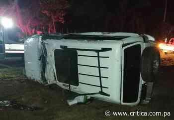 Conductor borracho vuelca la camioneta que manejaba en Capira; pasajero muere - Crítica Panamá