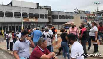 Comerciantes de Acarigua marchan hasta la alcaldía para exigir que los dejen trabajar - El Pitazo