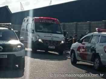 Motociclista e garupa ficam feridos em acidente com carro em Braganca Paulista - Jornal Mais Bragança
