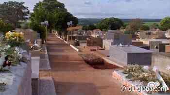 Prefeitura de Santa Cruz do Rio Pardo amplia capacidade do cemitério devido as mortes por Covid-19 - G1