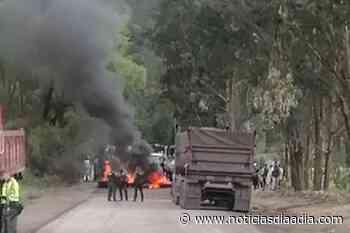 Por peaje bloquean vía Ubaté – Lenguazaque, Cundinamarca - Noticias Día a Día