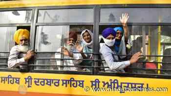 Sikh jatha in Pakistan to celebrate Baisakhi - Hindustan Times