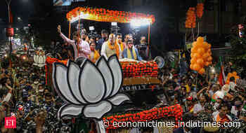 TMC, BJP tussle to woo Dalits as Bengal politics sees class- to-caste shift - Economic Times