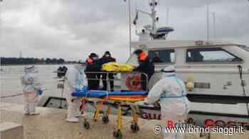 Attacco di ulcera sulla nave, 49enne soccorso dalla Capitaneria di Porto - Brindisi Oggi, news Brindisi notizie Brindisi e provincia - BrindisiOggi