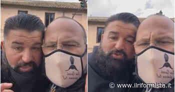 Da Pianura al Circo Massimo, la marcia pacifica di Peppe Di Napoli per protestare contro le chiusure - Il Riformista