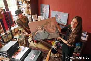 Vrouwen boven in tot kunstgalerie omgevormd Huize Walden - Gazet van Antwerpen