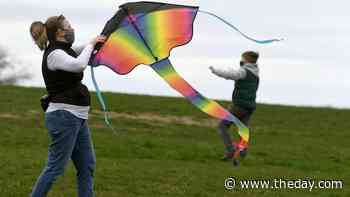 Spring break kite flying - News from southeastern Connecticut - theday.com