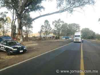 Bloquean carretera Morelia-Zacapu - La Jornada
