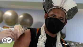 ++ Coronavirus hoy: Indígenas denuncian que mineros ilegales cambian oro por vacunas en Brasil ++ - DW (Español)