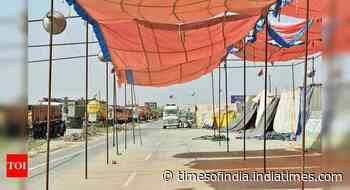 Farmer protest site on Delhi-Jaipur highway deserted, traffic continues to crawl - Times of India