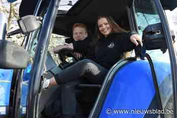 Jonge boeren vragen aandacht voor toekomst met tractorcolonne