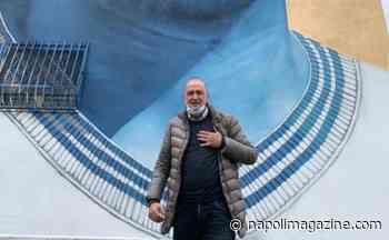 """FOTO ZOOM - Frattamaggiore, Renica al murales di Maradona: """"Il mito"""" - Napoli Magazine"""
