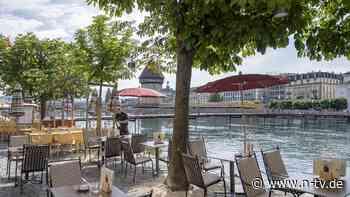 Restaurants und Kinos öffnen: Schweiz lockert trotz steigender Inzidenzen