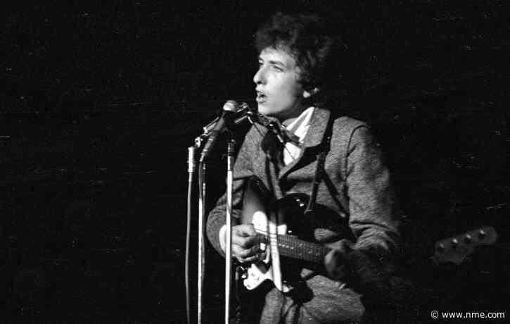 Bob Dylan's guitar from 'Blonde On Blonde' sessions goes up for auction