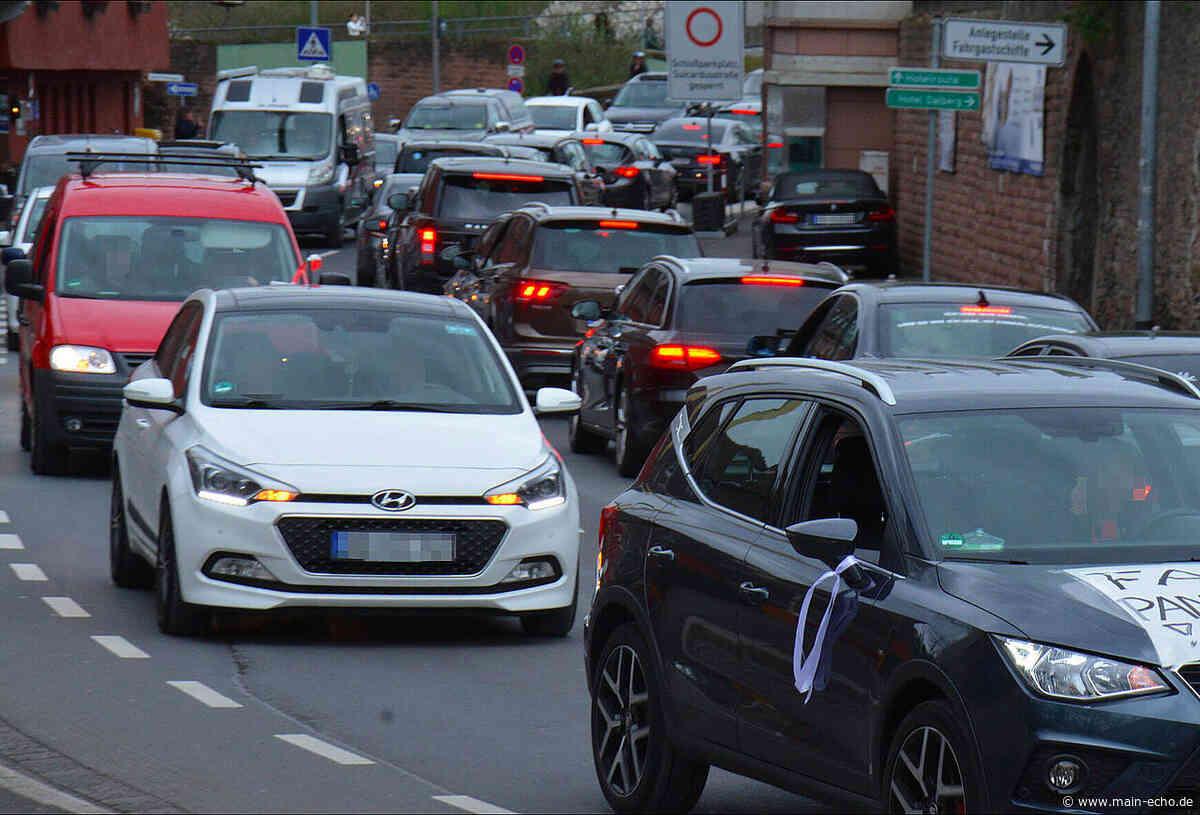 Zahlreiche Beschwerden nach Auto-Corona-Demo in Aschaffenburg - Main-Echo
