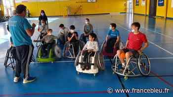 Une école de hand-fauteuil ouvre ses portes à Mazan - France Bleu