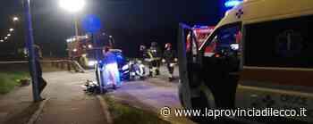 Scontro frontale durante un sorpasso Auto semidistrutte, ferite tre persone - La Provincia di Lecco