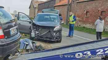 Accident au carrefour à mi-chemin entre Roye et Amiens - Courrier Picard