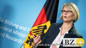 Karliczek: Regierung fördert Braunschweiger Corona-Forscher