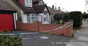 Police cordon off Southend-on-Sea home after 2 people found dead inside - Essex Live