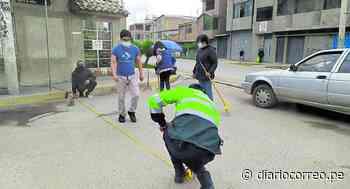 Vecinos y Policía Nacional del distrito de Chilca se unen para pintar áreas restringidas de 10 cuadras - Diario Correo