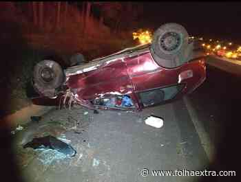 Motorista embriagado capota veículo e é preso em Siqueira Campos - Folha Extra