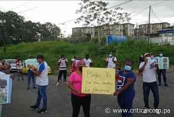 Moradores de Río Alejandro protestan por mal estado de edificios multifamiliares - Crítica Panamá