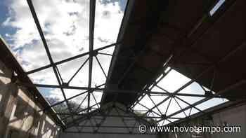 Charqueada do Paredão tem parte do telhado furtado - TV Cachoeira