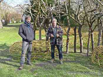 Im Apfelgarten des Künstlerhauses Meinersen, das Landartprojekt - Lehrte - myheimat.de - myheimat.de