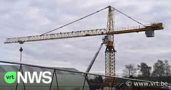 Spectaculaire reddingsactie in Zandhoven: man wordt onwel in kraan van 25 meter hoogte - VRT NWS