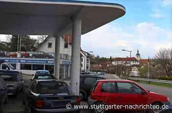 Projekt in Waldenbuch - Die Tankstelle bleibt erst mal, wo sie ist - Stuttgarter Nachrichten