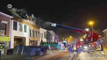 Brandweerman lichtgewond na brand in Schelle - ATV