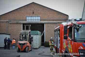 Brandweer op post voor smeulende afzuiging bij vlasvezelbedrijf