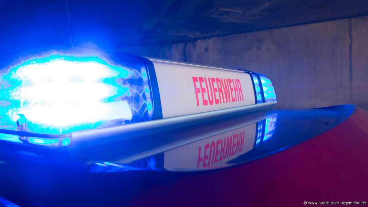 Unfall bei Geltendorf: Mann in brennendem Auto eingeklemmt