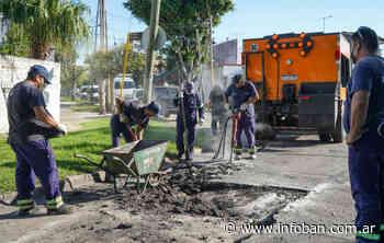 Avanzan trabajos de bacheo y asfalto en Carapachay - InfoBan