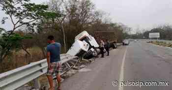 Trailero sufre aparatoso accidente en tramo Valles-Tamazunchale - Pulso Diario de San Luis