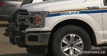 Couple pulled from vehicle, assaulted, robbed in Swan River: RCMP - Global News