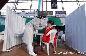 Dosi AstraZeneca arrivate, riaperti i centri vaccinali nella provincia senese - Siena News