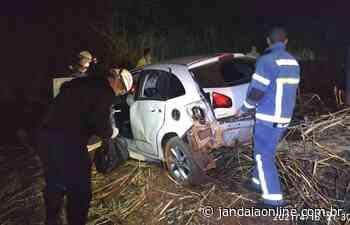 Veículo capota entre Jandaia do Sul e São José - Jandaia Online