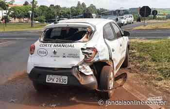 Carro e caminhão colidem em trevo de Jandaia do Sul - Jandaia Online