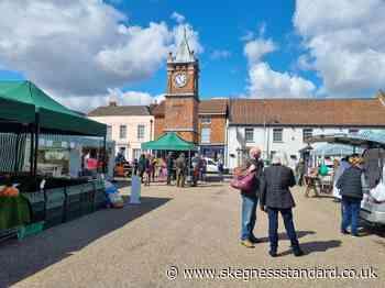 Sunshine shoppers glad to be back to Wainfleet Market after lockdown - Skegness Standard