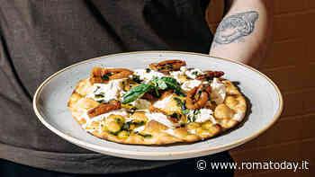 Pizza, pasta all'uovo e bottega: un giovane progetto romano inaugura a Trigoria