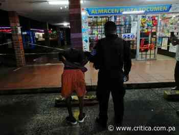 "Lo pillan ""infraganti"" robando en un almacén en Nuevo Tocumen ([Video] - Crítica Panamá"