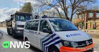 Gevaarlijke toestanden bij politiecontroles Mechelen-Willebroek: peuter rijdt rechtstaand mee in vrachtwagen - VRT NWS