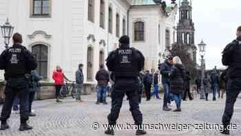 Großaufgebot der Polizei: Kleinere Gruppen Corona-Protestler in Dresden aufgelöst