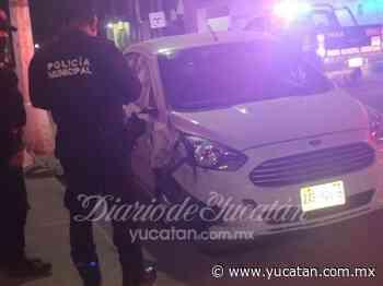 Conductor ebrio dormita y choca dos vehículos estacionados en Ticul - El Diario de Yucatán