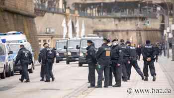 """Polizei setzt Verbote von """"Querdenken""""-Demonstration durch"""