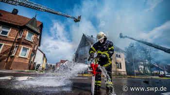Großeinsatz der Feuerwehren : Immenser Schaden bei Wohnhausbrand in Eislingen - SWP